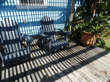 Click to enlarge image Relax after a long day at the beach - Palm Cottage - Old town cottage near historic downtown Port Aransas. Two bedrooms, one bath, small laundry, quaint and cute patio area. Dog Friendly